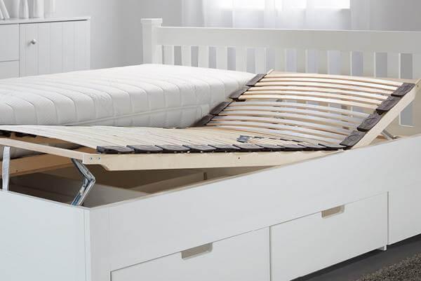 Nábytok do spálne